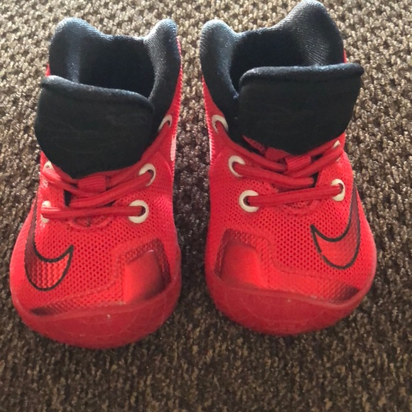 Nike Lebron James Baby Shoes 2C. M 5ac15eba05f4300c80fbcc5e 927161c67b93